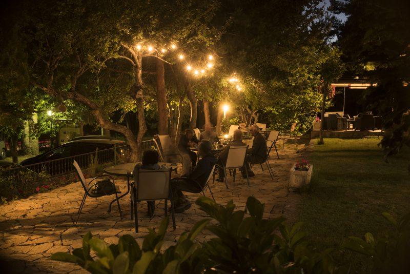 Hostal Almanzor Jardín-2